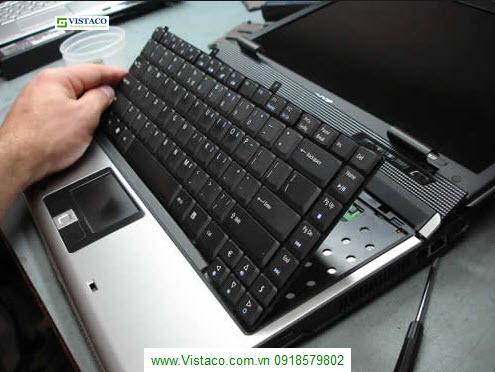 Tháo bàn phím Laptop